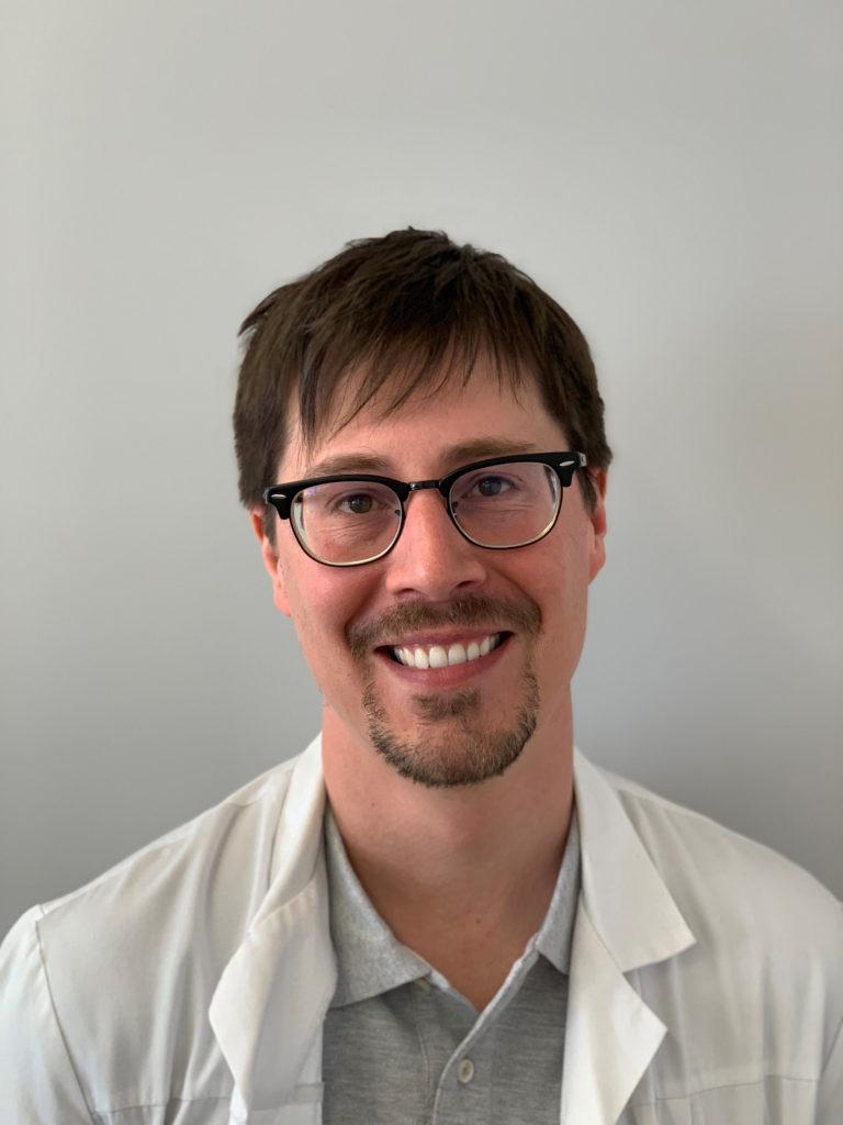 Dr Vincent Alvarez
