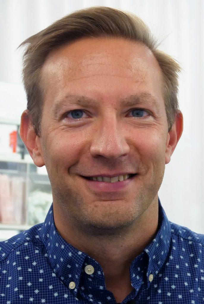 Dr. Sacha Celik